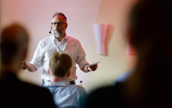 """Obility-Geschäftsführer Frank Siegel: """"Unsere Kunden wollen sich verändern. Dafür müssen auch wir uns verändern."""" Die Präsentationen auf dem diesjährigen Anwender- und Branchentreffen Obility Insight Mitte September in Höhr-Grenzhausen ließen keinen Zweifel, dass sich das Koblenzer Software-Haus in diesem Sinne dynamisch entwickelt."""