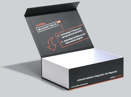 Magnetboxen als ein klassisches Achilles-Produkt, in Celle hergestellt und in verschiedenen Ausführungen und Formaten online über easyordner.de bestellbar. Bildquelle: Achilles-Gruppe.